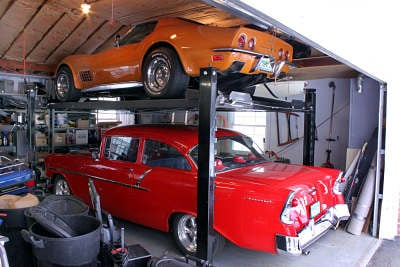 Crowded Garage? Look at a Garage Car Lift for Your Car Collection