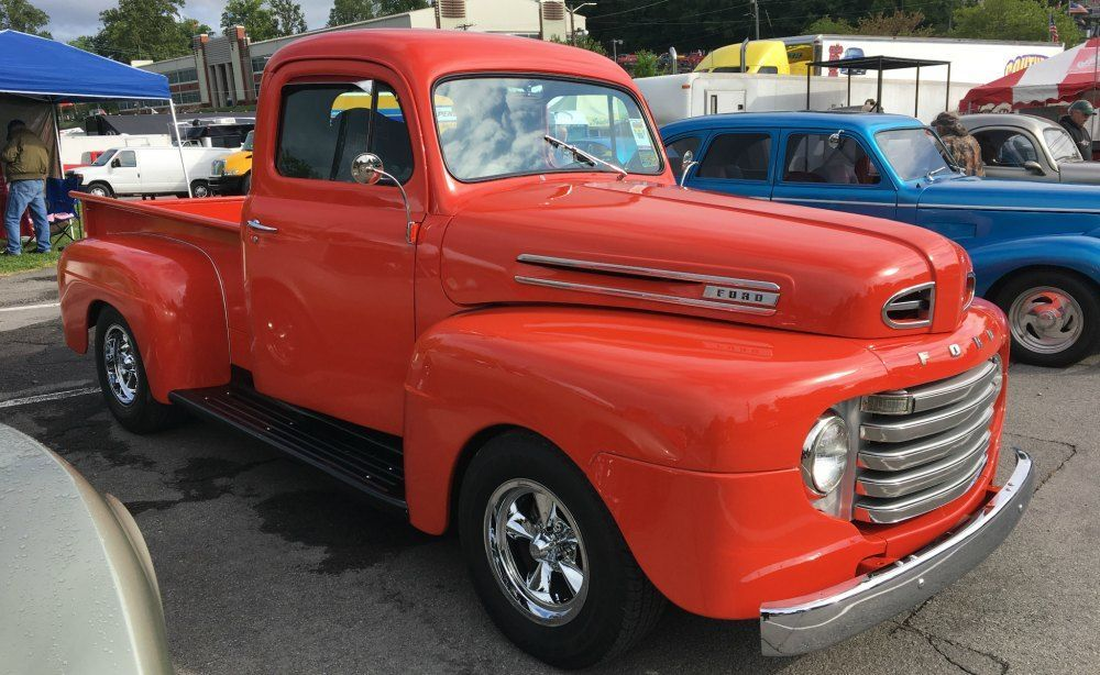 Horizontal ford grill on the 1948 f series
