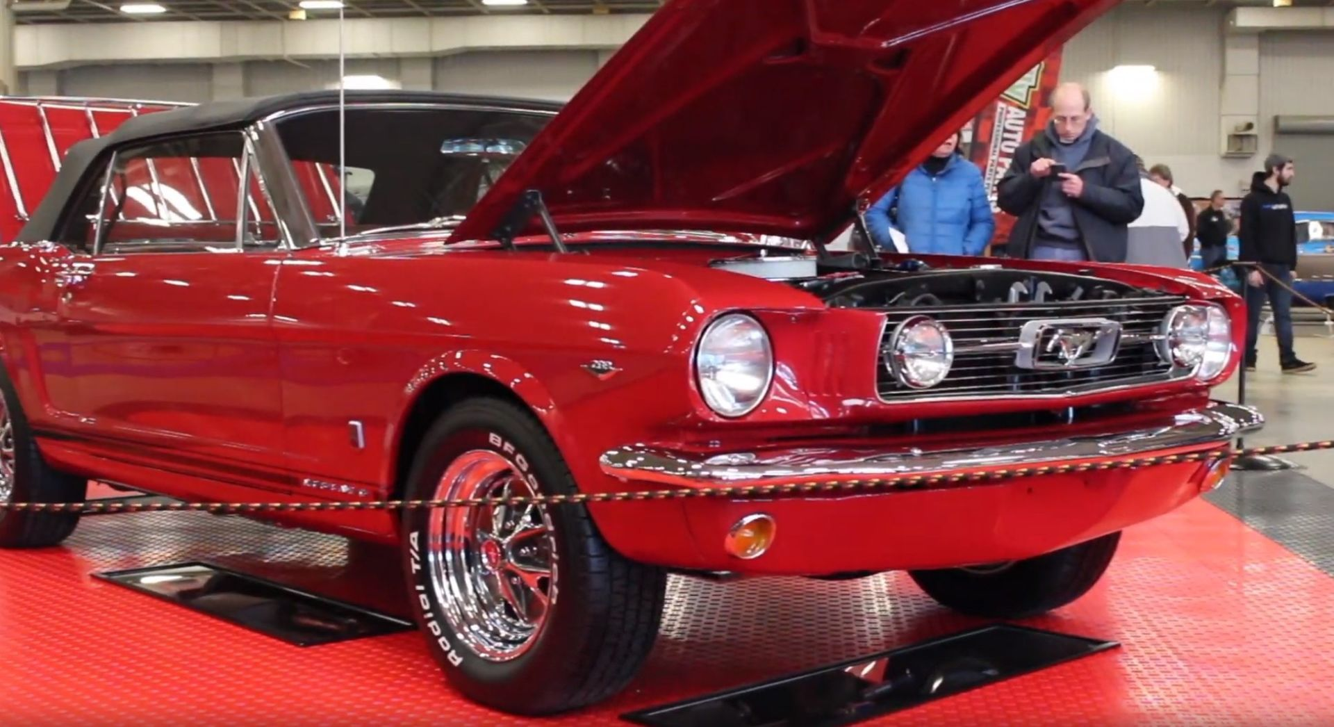 1966 red mustang